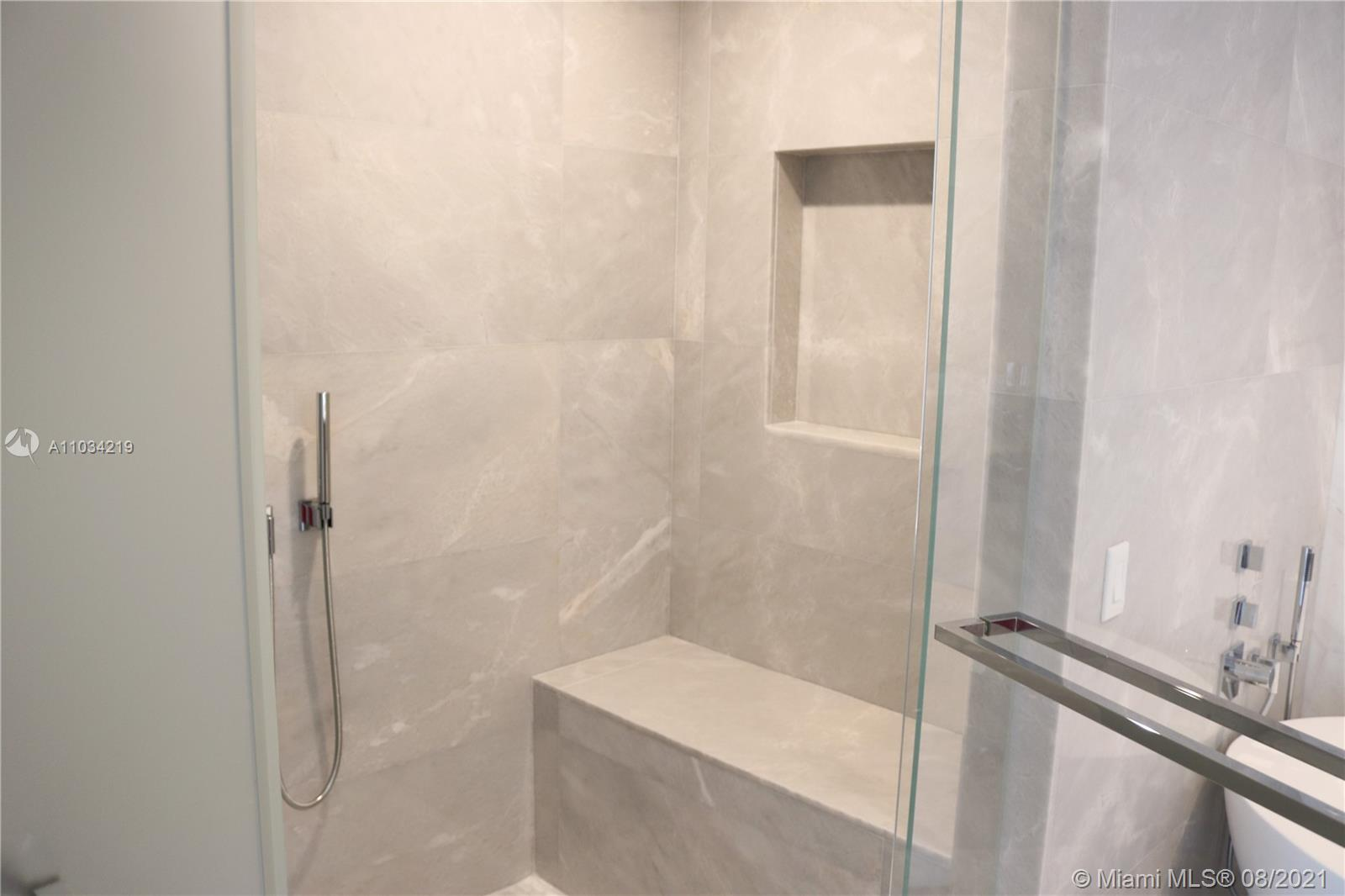 18501 Collins ave-1103 sunny-isles-beach-fl-33160-a11034219-Pic01