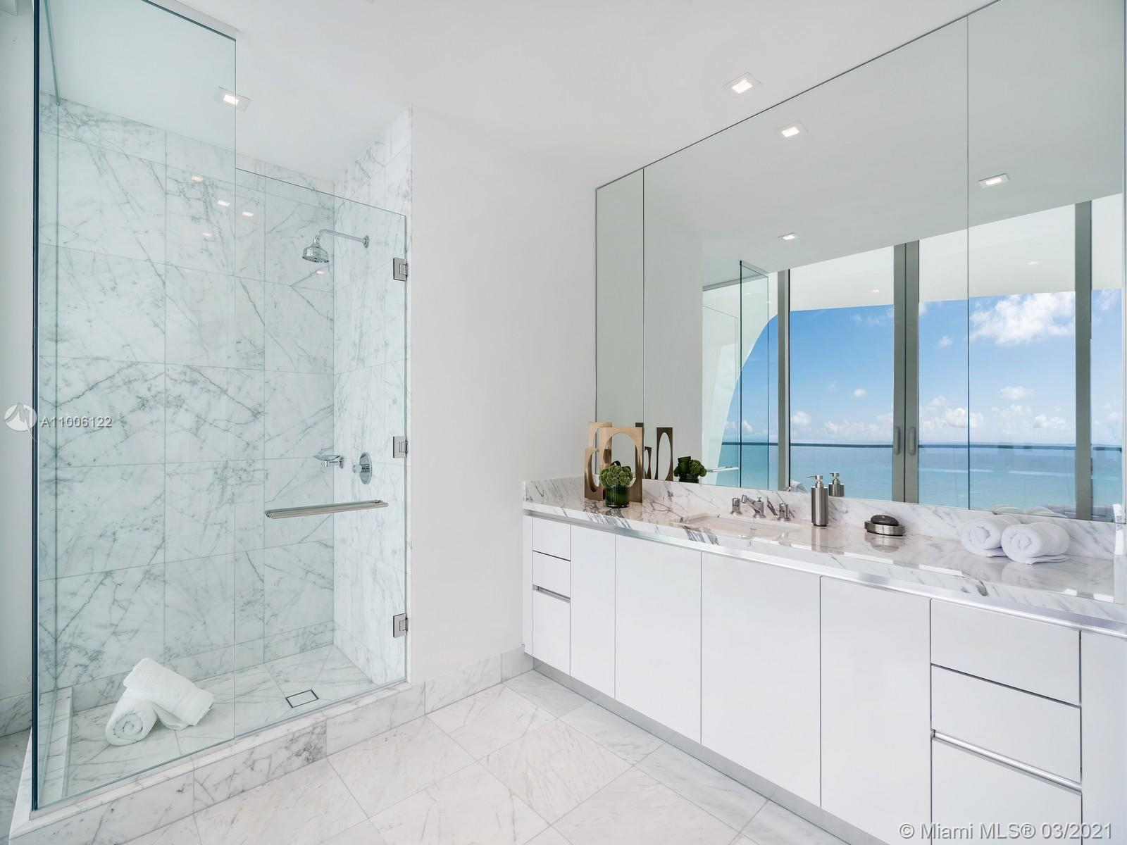 16901 Collins ave-4901 sunny-isles-beach-fl-33160-a11006122-Pic01