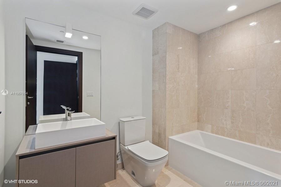 1000 Brickell plaza-4110 & 4111 miami-fl-33130-a11057834-Pic01