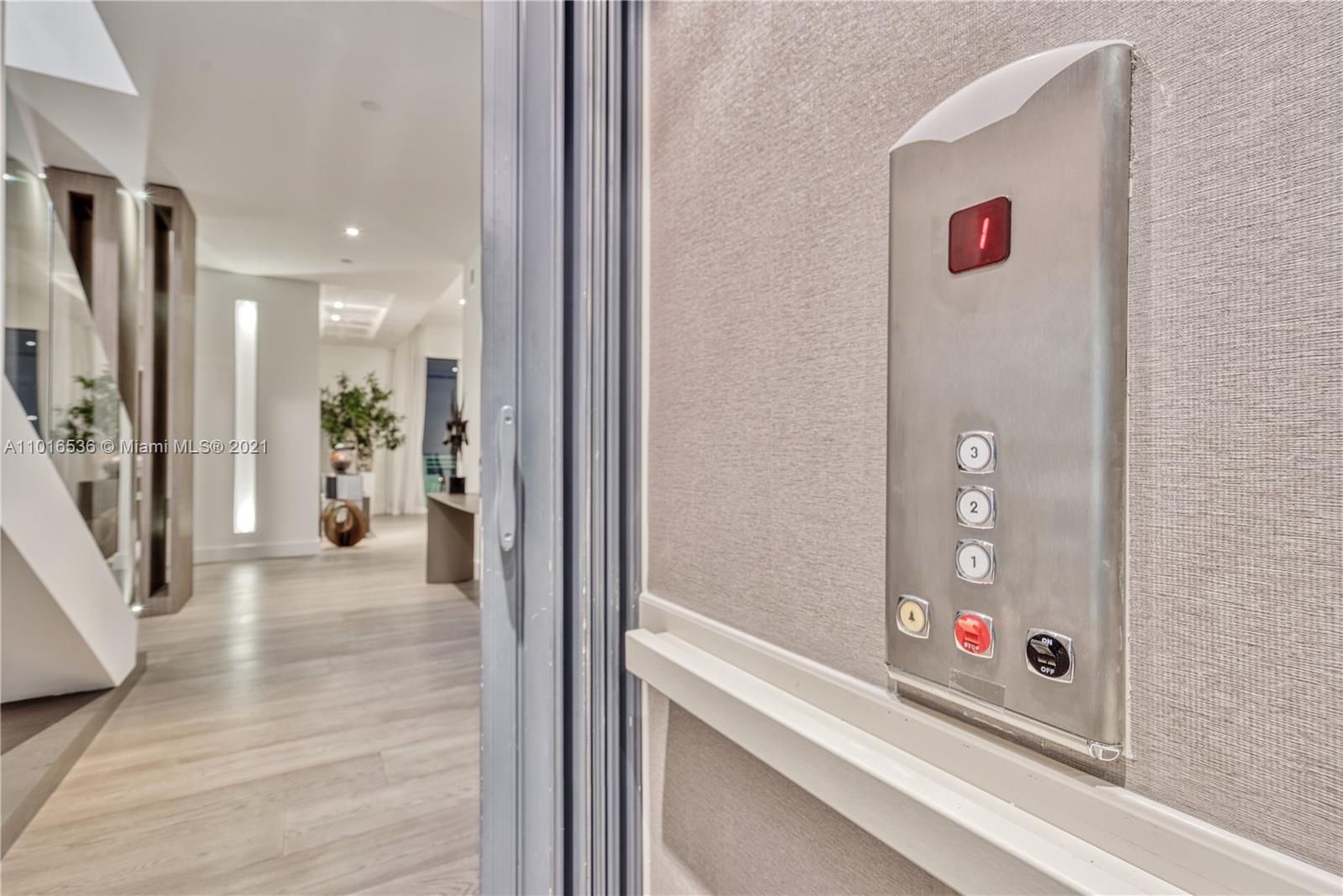 900 Brickell key blvd-PH4 miami-fl-33131-a11016536-Pic01