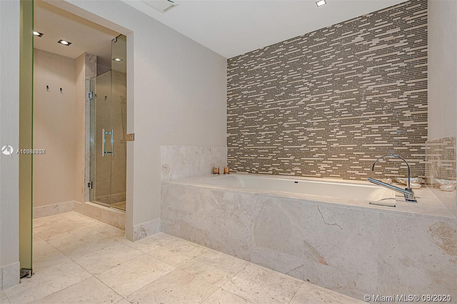 17121 Collins ave-3501 sunny-isles-beach-fl-33160-a11086338-Pic01
