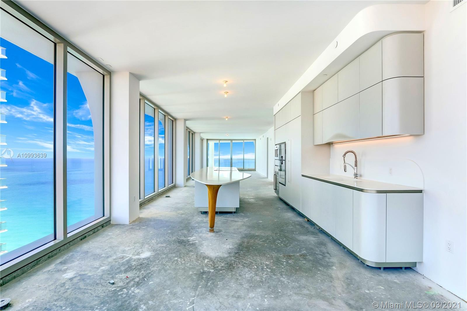 16901 Collins ave-3105 sunny-isles-beach-fl-33160-a10993639-Pic01