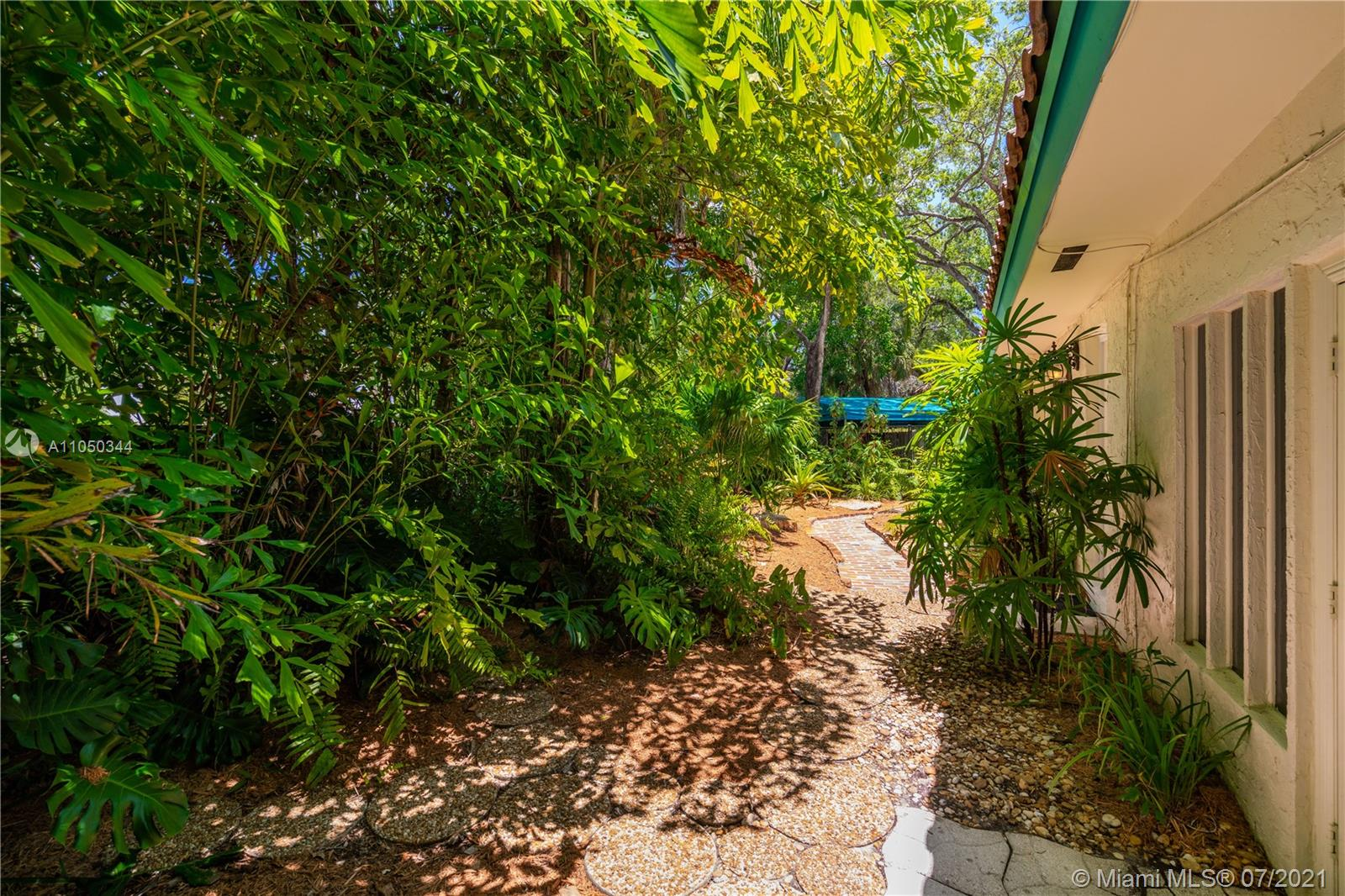 3701 Poinciana ave- coconut-grove-fl-33133-a11050344-Pic01
