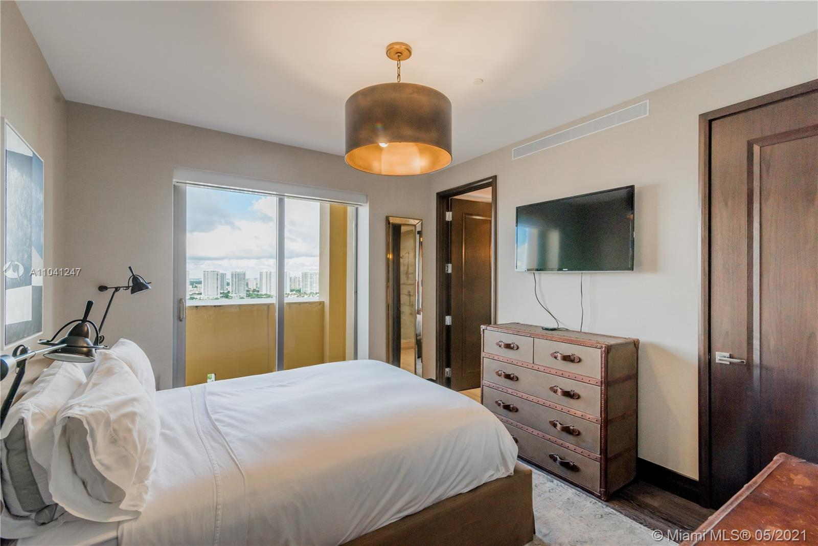 17749 Collins ave-2102 sunny-isles-beach-fl-33160-a11041247-Pic01