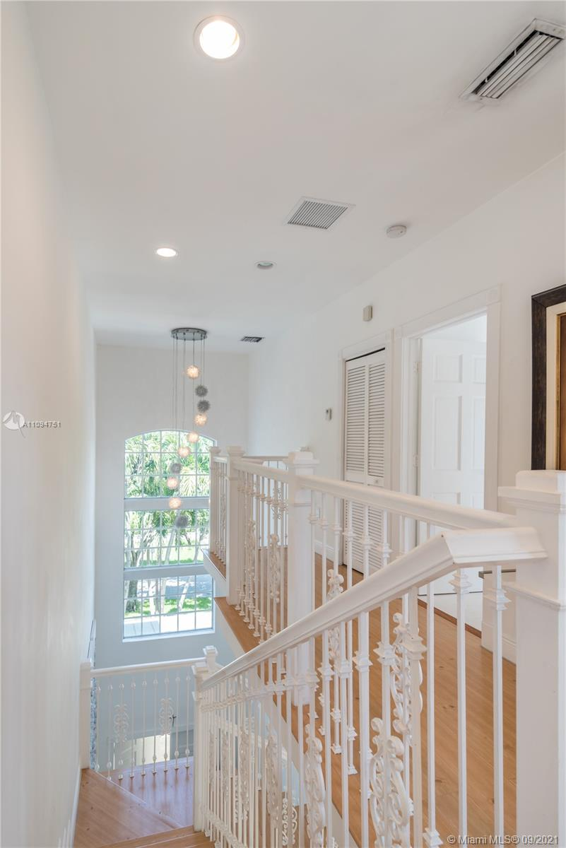 325 Pacific rd- key-biscayne-fl-33149-a11094751-Pic01
