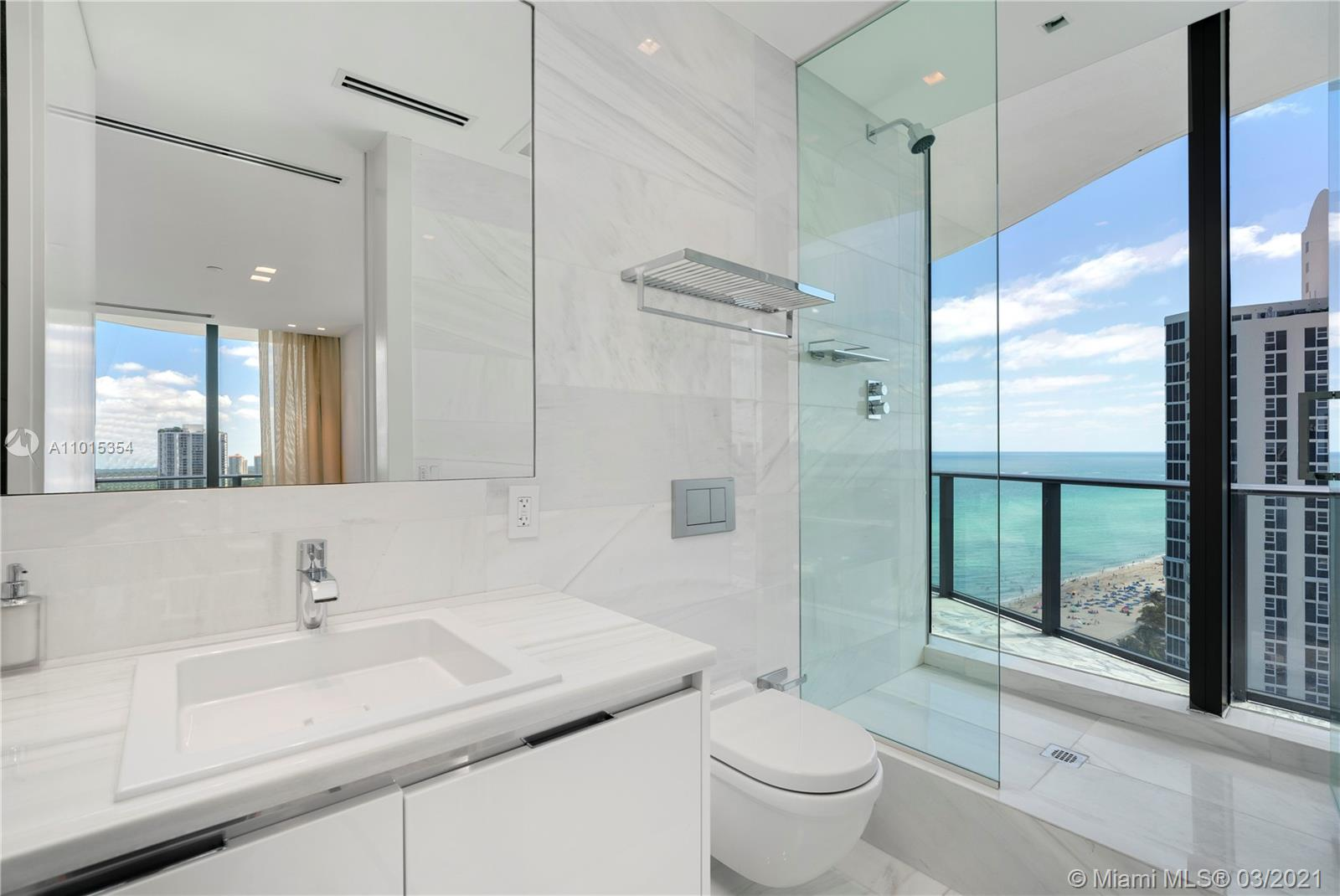 19575 Collins ave-17 sunny-isles-beach-fl-33160-a11015354-Pic01