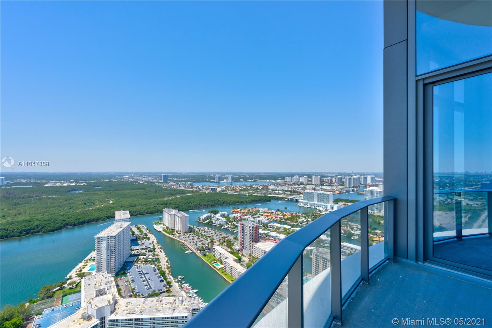 15701 Collins ave-4705 sunny-isles-beach-fl-33160-a11047858-Pic01