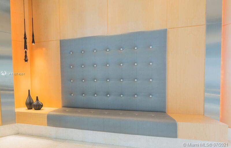 901 Brickell key bl-1708 miami-fl-33131-a11074061-Pic01