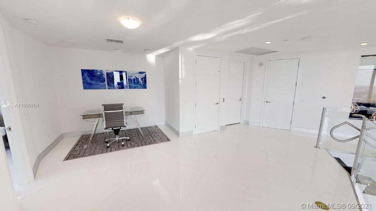 18555 Collins ave-4804 sunny-isles-beach-fl-33160-a11099764-Pic01
