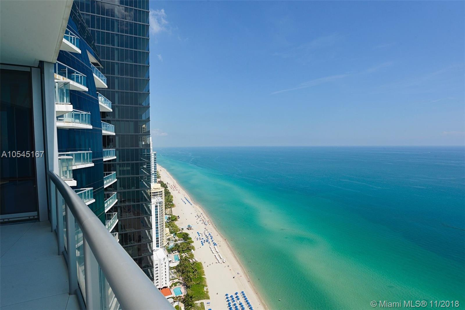 17121 Collins ave-4403 sunny-isles-beach-fl-33160-a10545167-Pic01