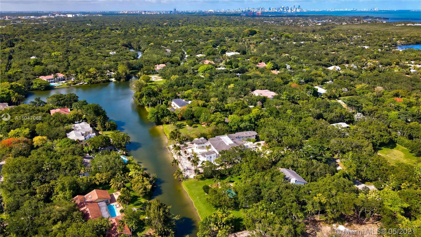 10900 Lakeside dr- coral-gables-fl-33156-a11047068-Pic01