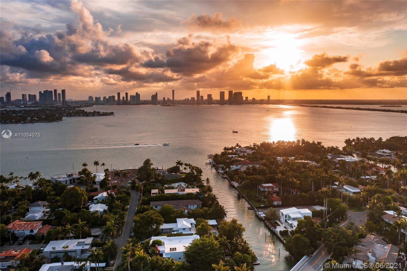 2288 Sunset dr- miami-beach-fl-33140-a11054075-Pic01