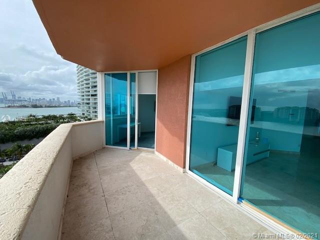 300 Pointe dr-1001 miami-beach-fl-33139-a10992377-Pic01