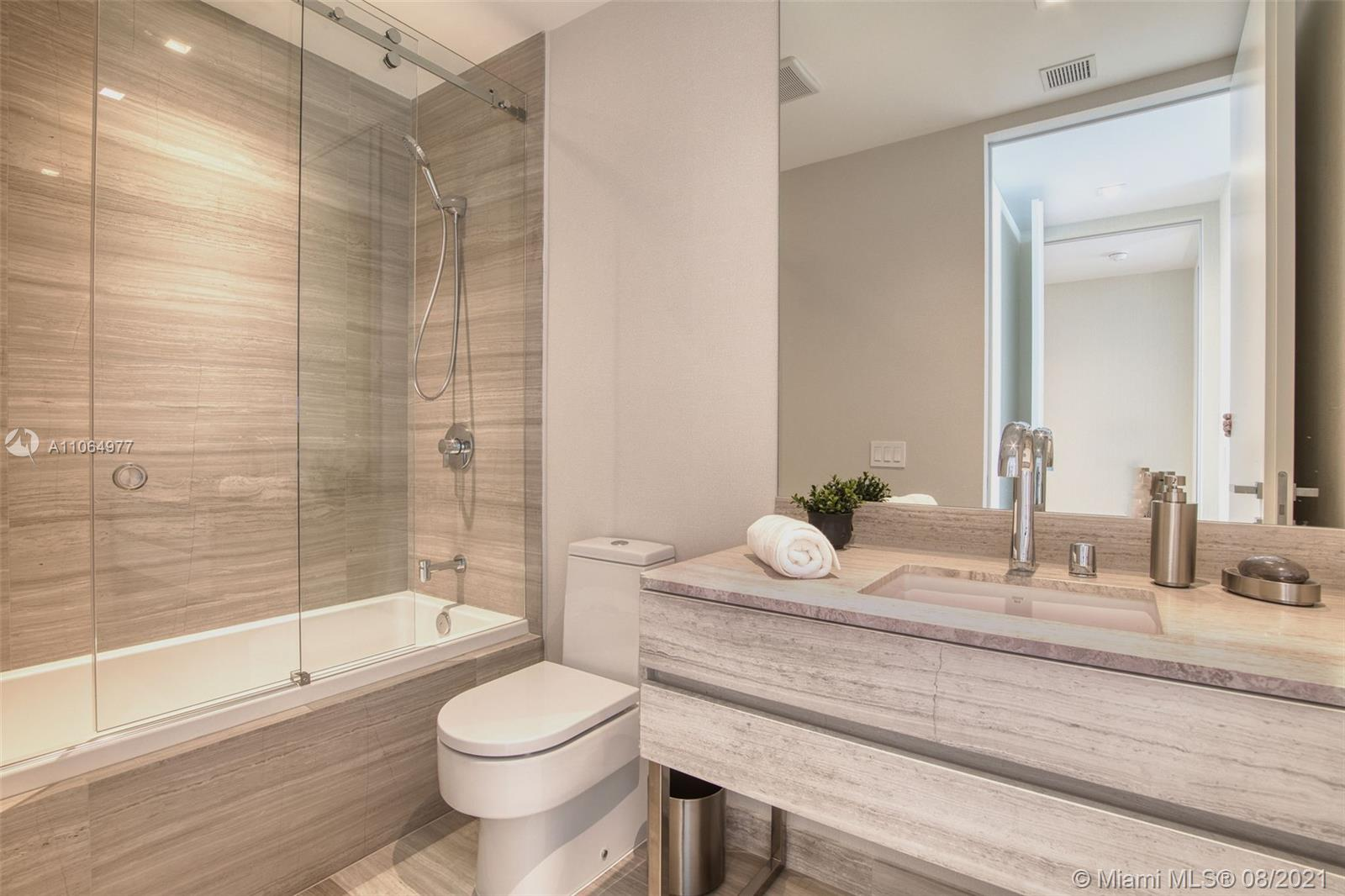 18975 Collins ave-3801 sunny-isles-beach-fl-33160-a11064977-Pic01