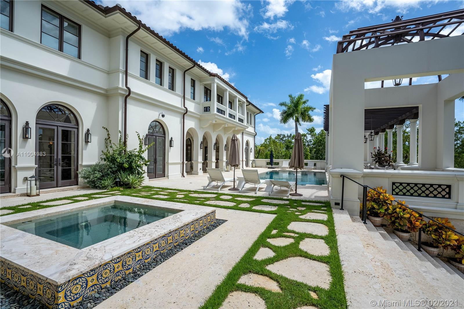 300 Costanera rd- coral-gables-fl-33143-a11004983-Pic01