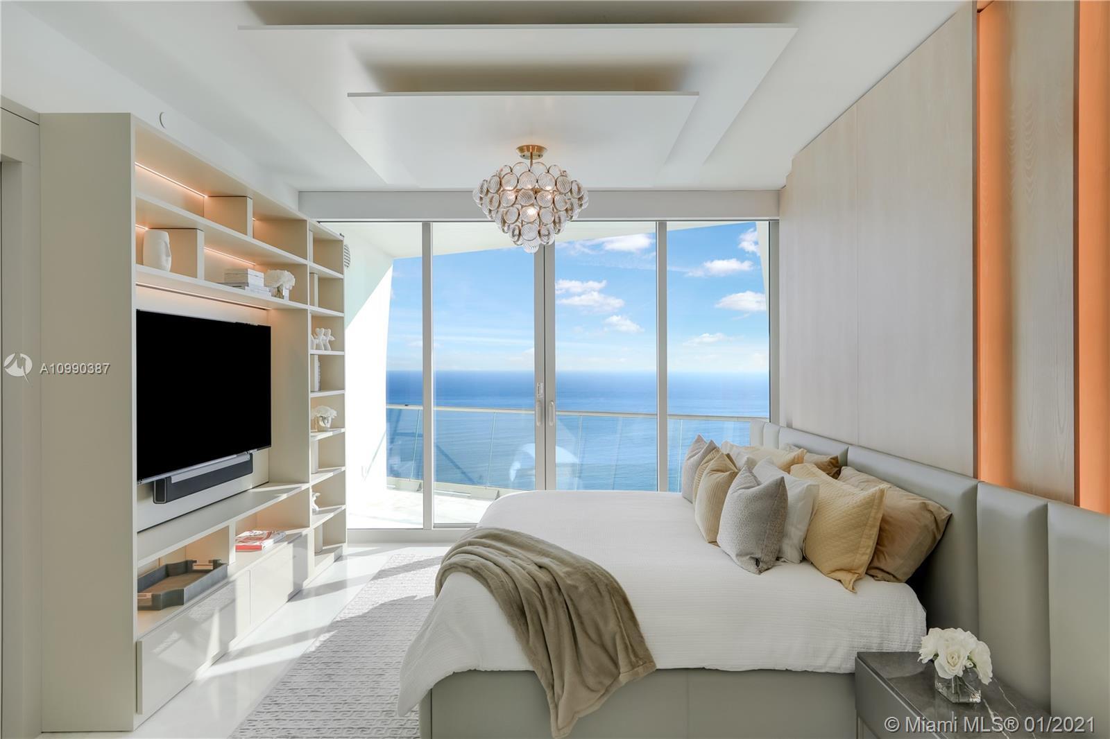 16901 Collins ave-Upper Sky Villa 5101 sunny-isles-beach-fl-33160-a10990387-Pic01