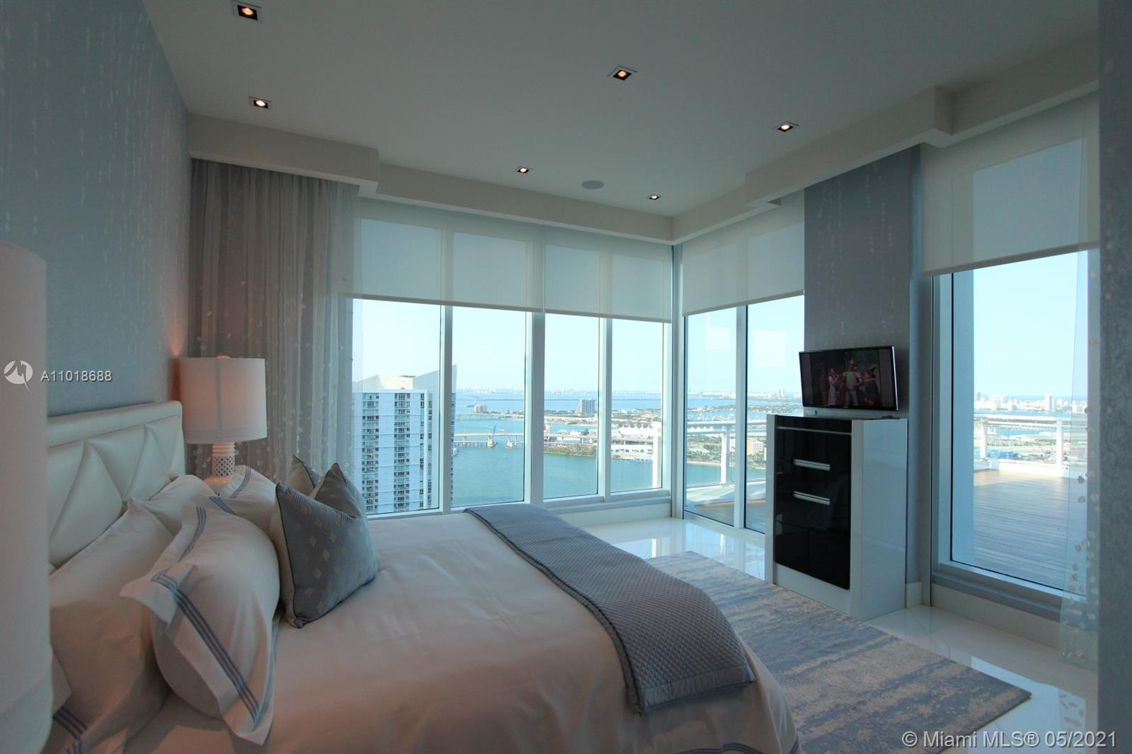 900 Brickell key blvd-PH3403 miami-fl-33131-a11018688-Pic01