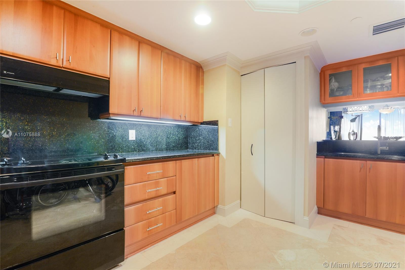 9559 Collins ave-S4-F surfside-fl-33154-a11075888-Pic01