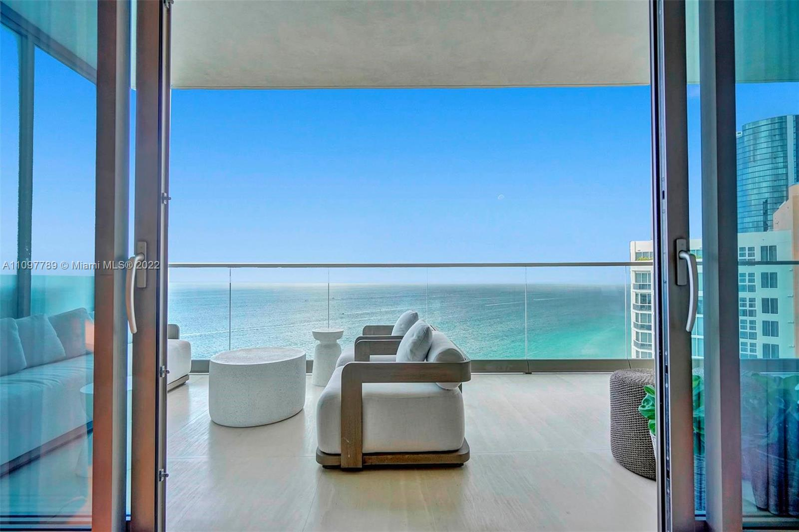 18975 Collins ave-3003 sunny-isles-beach-fl-33160-a11097789-Pic01