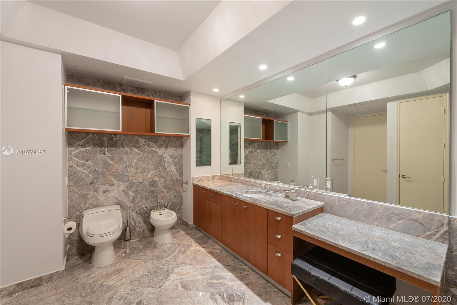 16047 Collins ave-2104 sunny-isles-beach-fl-33160-a10779297-Pic01